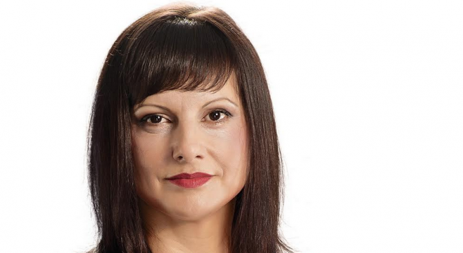 Дариткова пита министър Аврамова за пътищата и голямото срутище в Смолянско