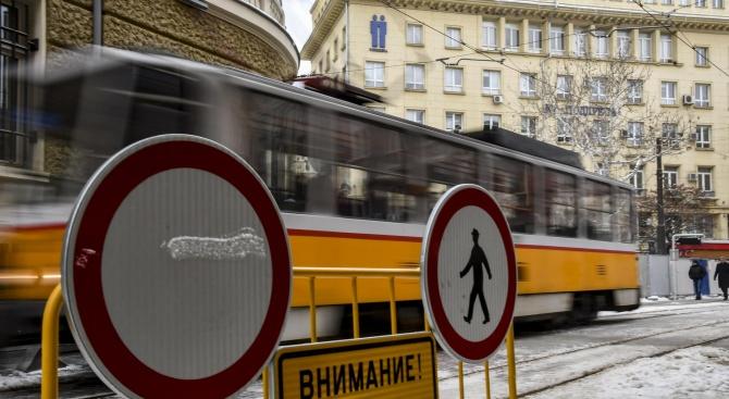 """Затварят за движение участък от ул. """"Граф Игнатиев"""""""