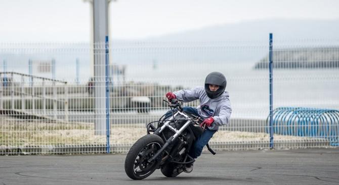 14-годишен от Перник подкара мотор и прегази жена
