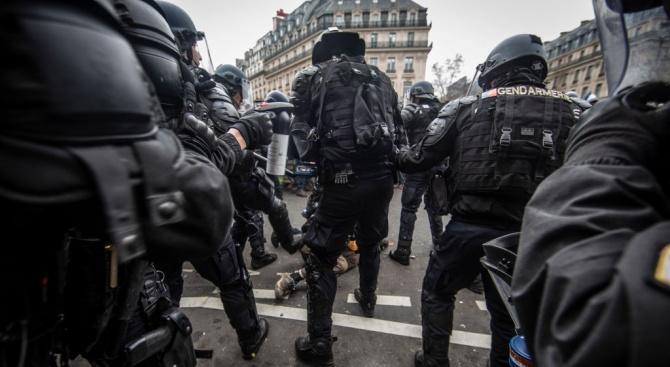 Сменят шефа на парижката полиция след насилиетона протестите в събота