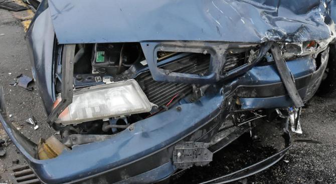 Тежка катастрофа на пътя Търговище - Омуртаг отне живота на двама души