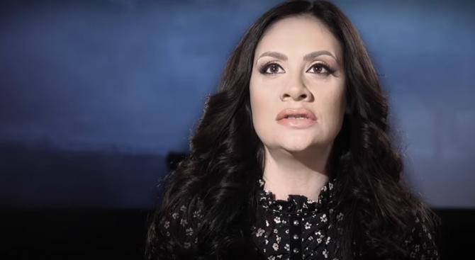 Продуцент защити Мариана Попова