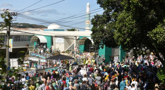 Нова Зеландия почете паметта на 50-те убити в джамиите в Крайстчърч