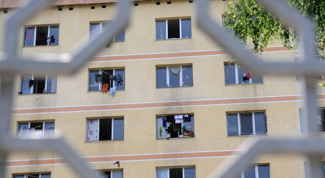 МВР няма да строи нови бежански лагери