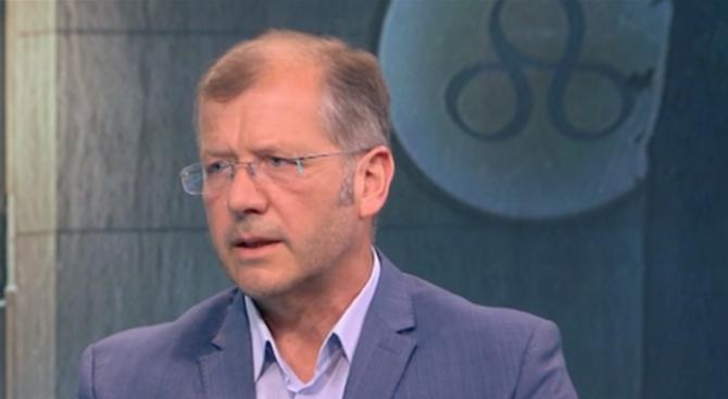 Михаил Екимджиев: Цветанов е тежък рецидивист по отношение на апартаментите