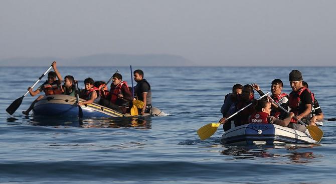 Четирима имигранти, след които и бебе, се удавиха край Турция