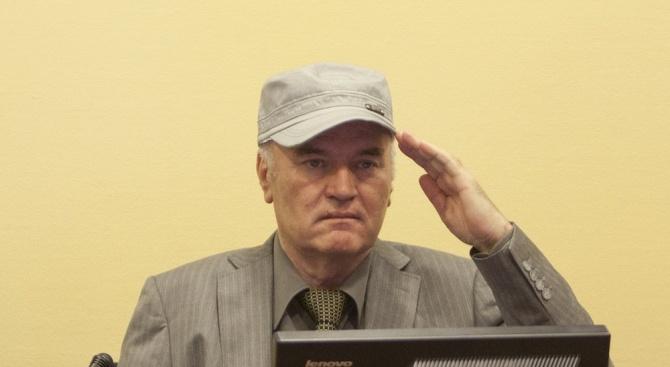 Ратко Младич към Радован Караджич: Горе главата!