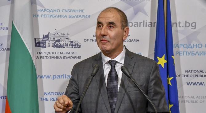 Цветанов: Колегите от ГЕРБ ми подариха маратонки, за да продължа да бягам в дългия политически маратон