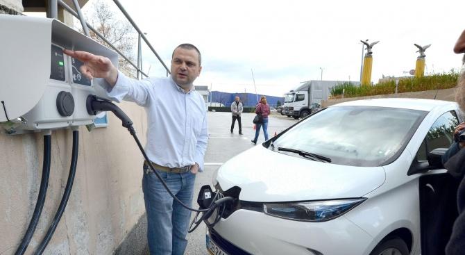 Столична община ще пусне в експлоатация нова зарядна станция за електромобили