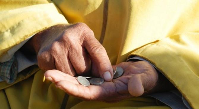 НОИ започва изплащането на пенсиите и допълнителните суми към тях на 8 април