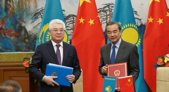 Китай благодари на Казахстан за подкрепата за програмата срещу радикализма в Синцзян