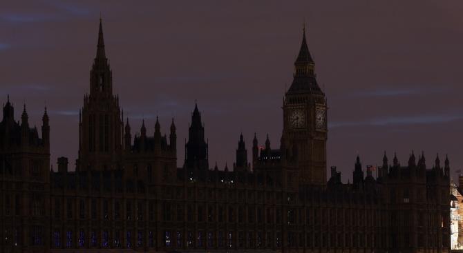 """Небостъргачи и световни забележителности угасват за час утре заради """"Часът на Земята"""""""
