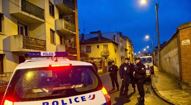 Арестуваха 19 души във Франция след протест срещу социалните помощи за чужденци