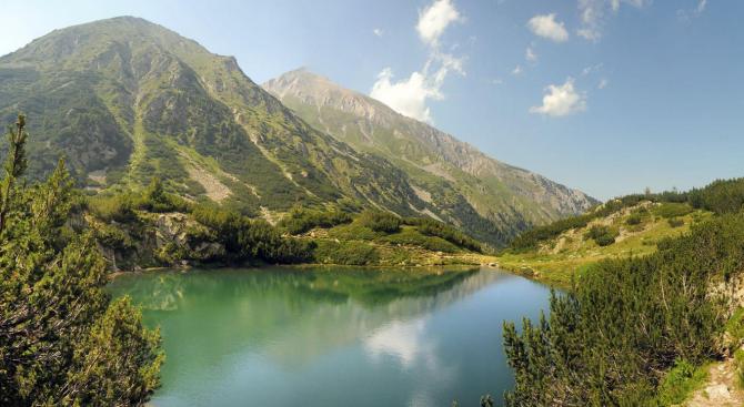 Седем езера в Пирин са силно замърсени, ограничават достъпа до тях