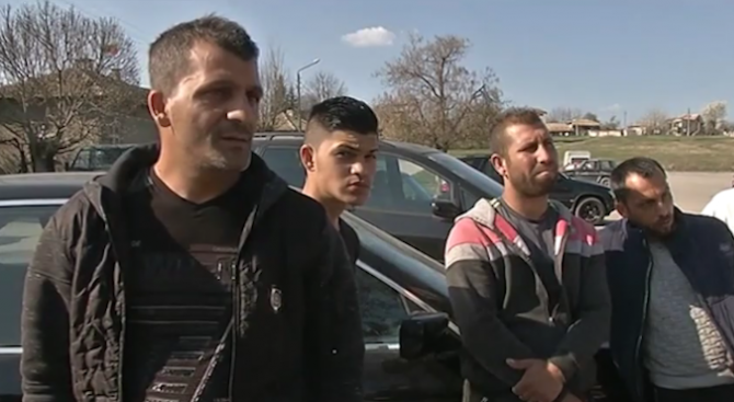 Биха с камъни и тухли българи във Франция заради фалшива новина