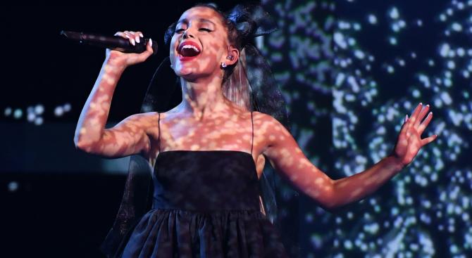 """Ариана Гранде подобри собственото си постижение в класацията на """"Билборд"""" за сингли"""