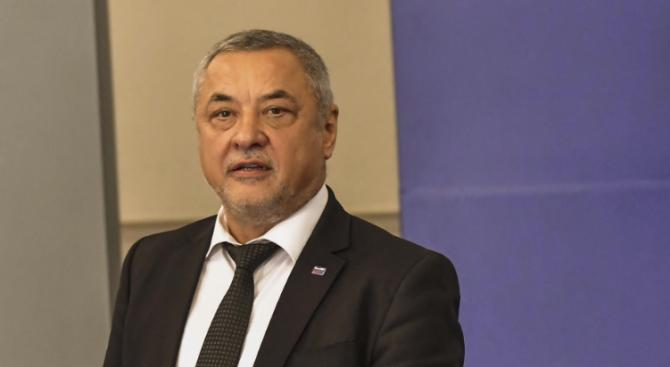 Валери Симеонов: Президентът прекалено дълбоко нагази в политическата кал