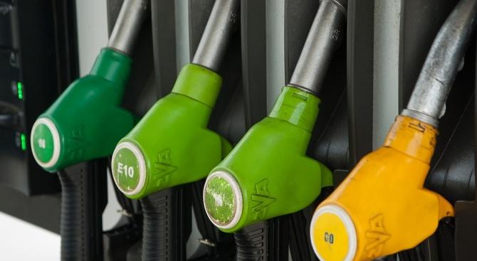 Запечатват две бензиностанции в Кърджали