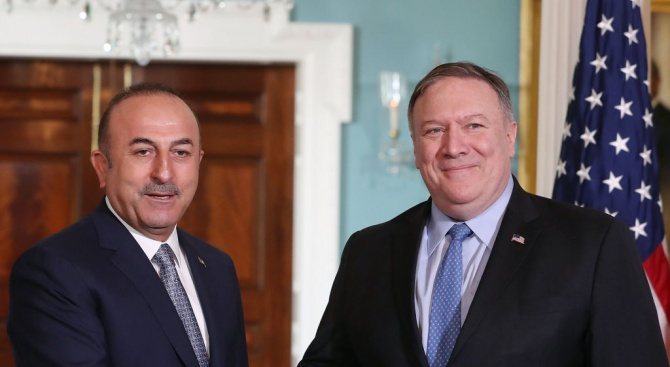 Турското външно министерство обвини Държавния департамент на САЩ, че е представил невярно срещата между Помпейо и Чавушоглу