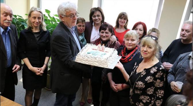 Нинова  за  рождения ден на в. Дума:  Докато има БСП, ще има  вестник Дума и обратно