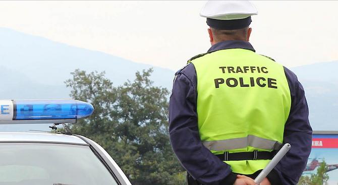 Криминално проявен се закани на полицай