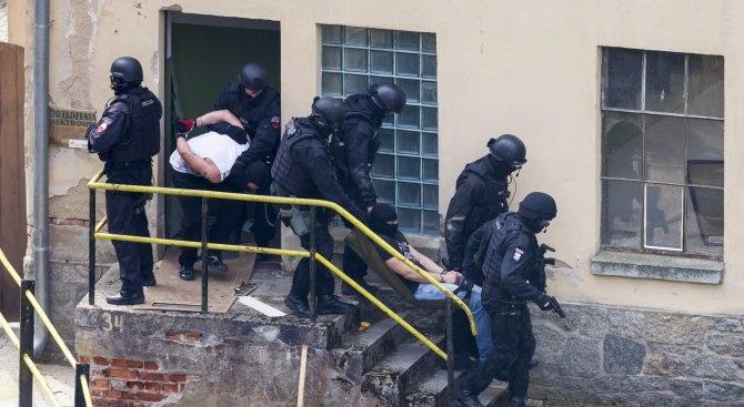 При операция на Европол срещу албанската мафия са арестувани 64 души