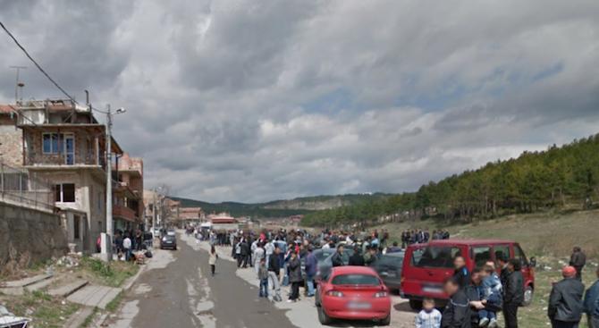Проправят път за тежка техника към ромските къщи в Стара Загора