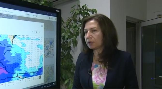 Синоптиците предупреждават за възможни наводнения