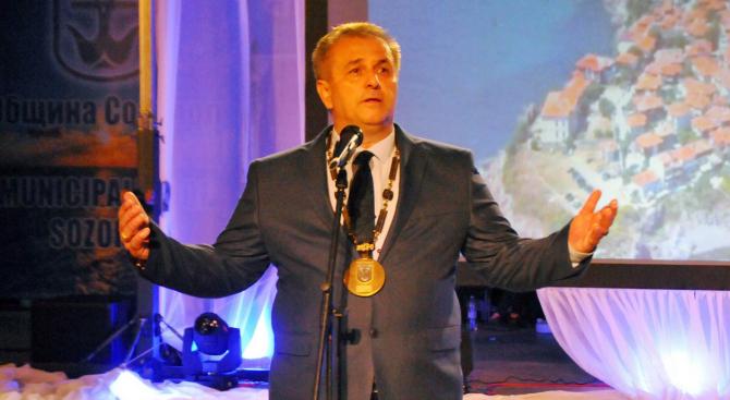 Кметът на Созопол подава оставка