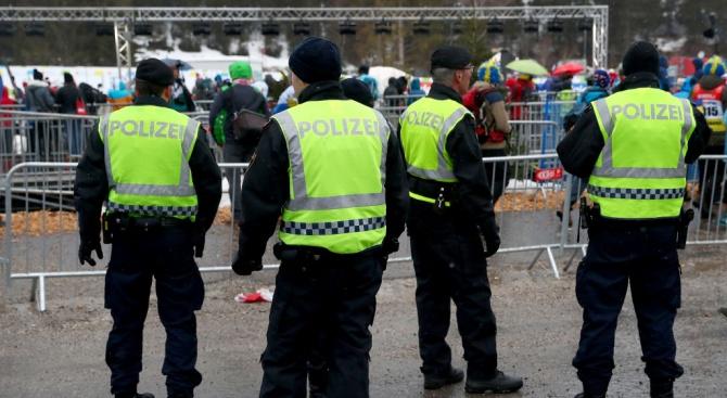 Австрийските власти с обиски срещу неонацистите в страната