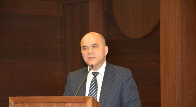 Бисер Петков: Многостълбовите пенсионни системи гарантират устойчивостта на доходите след пенсиониране