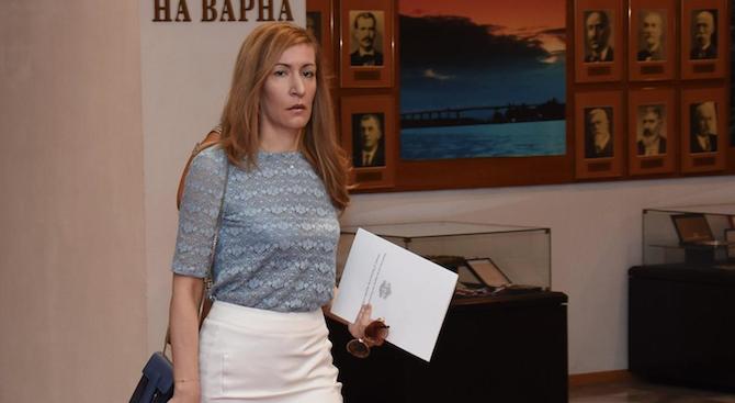 Николина Ангелкова: Имотите ми са ясно декларирани