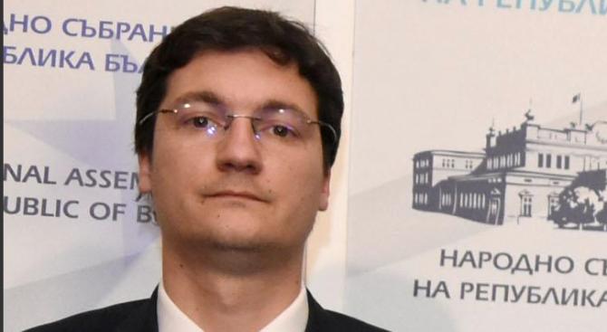 """КПКОНПИ и НАП проверяват Крум Зарков заради скъпи имоти """"на пъпа на София"""""""