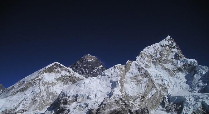Монтират еко тоалетни на Еверест
