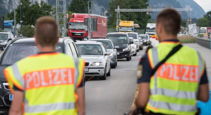 Германия удължава с още половин година контрола на границата с Австрия