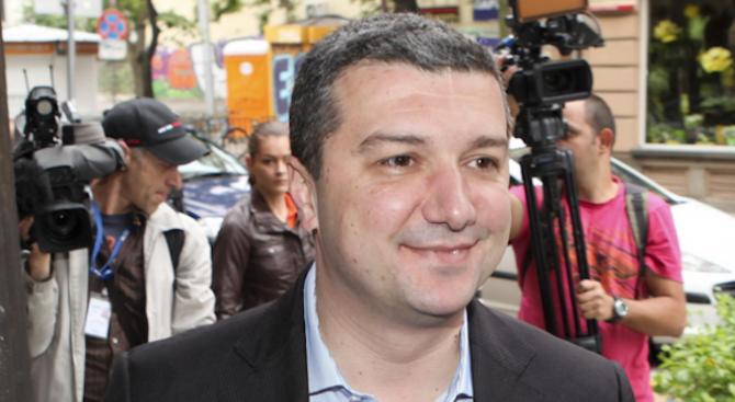 Драгомир Стойнев разкри: ИБ на БСП предлага листа за евроизборите без Станишев