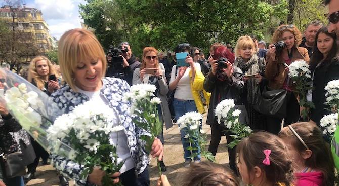 Мая Манолова ще сезира Прокуратурата за изсичането на дървета в пловдивски парка