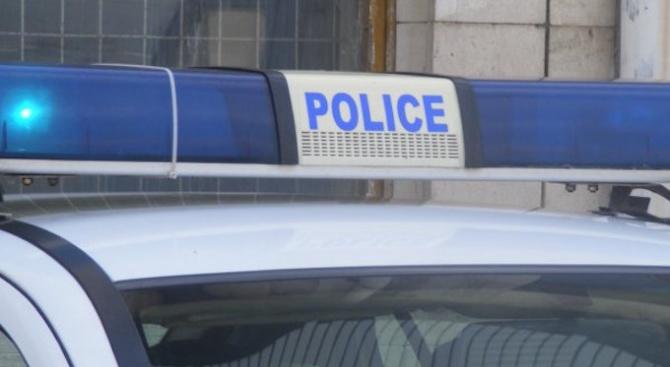 Разследват взломна кражба от хранителен магазин в с. Виноград