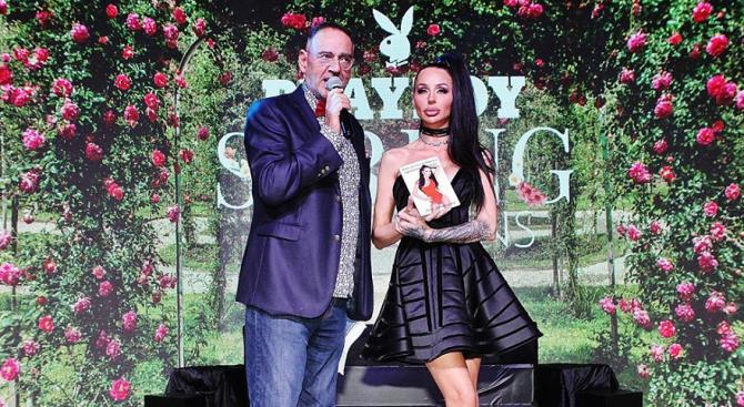 Деси Фотосесията с премиера на дебютната си книга
