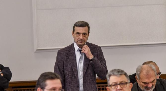 Димитър Манолов: По-добре е помощите да стигнат до детето, отколкото татко му да пие две ракии