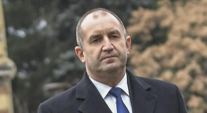 Скандал с биографията на Румен Радев в сайта на президентството