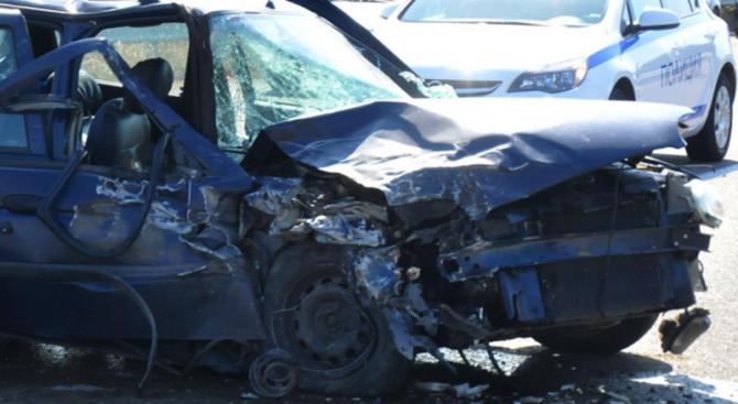Тежка катастрофа край Сливен: Един загина, има и ранени