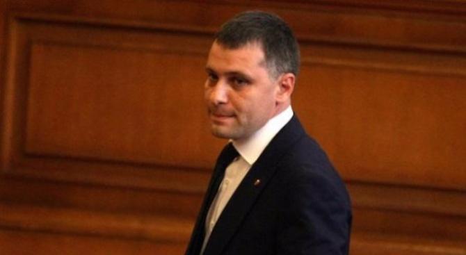 ВМРО иска спешна среща с Борисов заради ВТУ