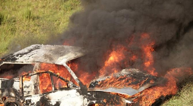 """Кола катастрофира на магистрала """"Тракия"""" и се самозапали"""