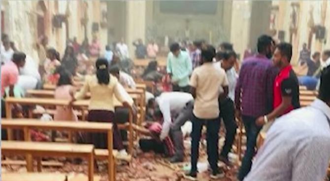 Взривовете в Шри Ланка - първото голямо нападениеот края на гражданската войнапреди десетилетие