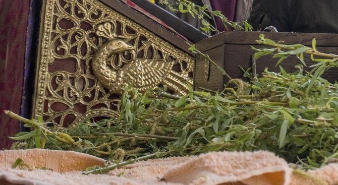 Българската православна общност в Истанбул отпразнува Цветница