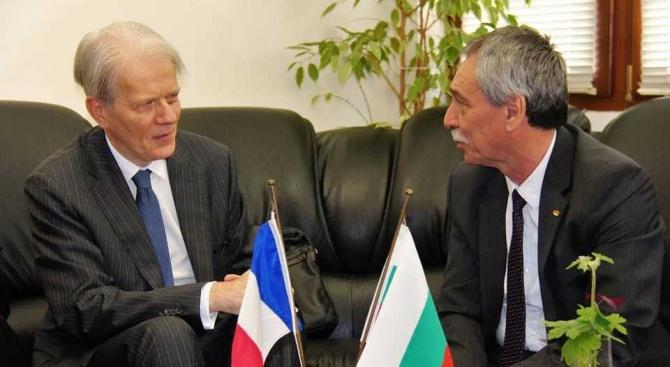 Френският посланик посети Великотърновския университет