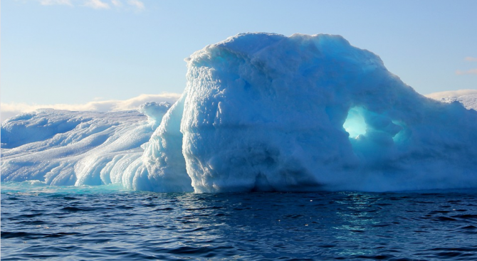 Специалисти изследваха топенето на леда в Гренландия от 1972 г.