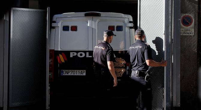 В Испания задържаха заподозрян за фалшиви телефонни заплахи срещу посолства