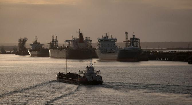Саудитска Арабия спаси екипажа на бедстващ ирански танкер